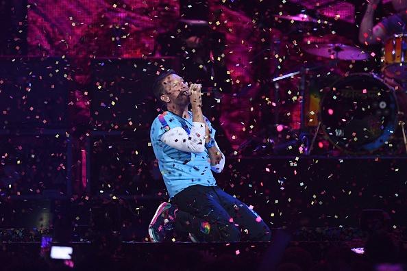 """Der Sänger von Coldplay, Chris Martin, feiert am Donnerstag (02. März) seinen 40. Geburtstag – und seine Band veröffentlicht mit """"Hypnotised"""" einen neuen Song."""
