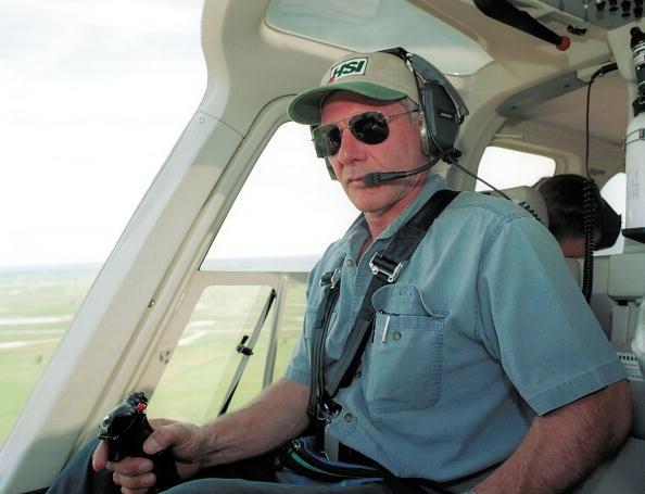 Im Februar dieses Jahres entging Harrison Ford nur knapp einem Zusammenstoß mit einer anderen Maschine. Nun zeigt ein Video, dass er das Fliegen trotzdem nicht sein lassen kann.