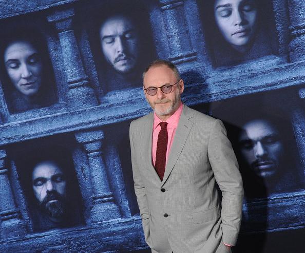 """Fans von """"Game Of Thrones"""" müssen weiter ausharren. Nachdem alle Hoffnungen auf einen Start von Staffel 7 im Juni gerichtet waren, gibt es nun wieder eine Horrormeldung für alle Anhänger."""
