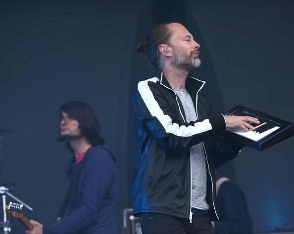 Thom Yorke und Jonny Greenwood haben einen Remix aus Songs von Radiohead gemacht. Der dauert 16 Minuten und wurde auf der Fashion Week in Paris zum ersten Mal gespielt.