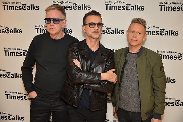 """Depeche Mode haben am Mittwoch (8.März) ein Behind-the-scenes-Video zum Musik-Video von """"Where's The Revolution"""" veröffentlicht."""