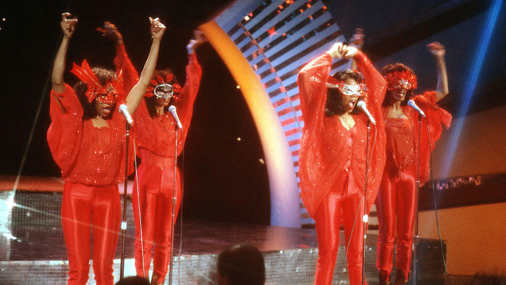 CIRCA 1980:  (L-R) Kathy Sledge, Joni Sledge, Debbie Sledge and Kim Sledge of the vocal group 'Sister Sledge' pose for a port