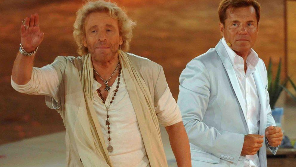 PALMA DE MALLORCA, SPAIN - JUNE 18:  Thomas Gottschalk (L) and Dieter Bohlen attend the 'Wetten dass..?' Summer Edition on Ju