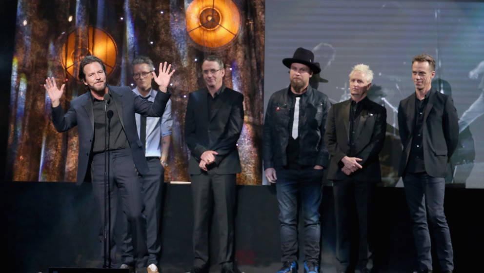 Eddie Vedder, Dave Krusen, Stone Gossard, Jeff Ament, Mike McCready und Matt Cameron von Pearl Jam