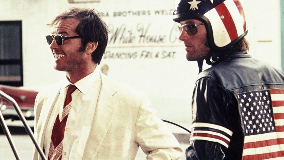 Peter Fonda as Wyatt and Jack Nicholson as George Hanson in Easy Rider