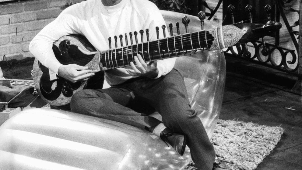 Jack Nicholson holding sitar in a scene from the film 'On A Clear Day You Can See Forever', 1970. (Photo by Paramount/Getty I