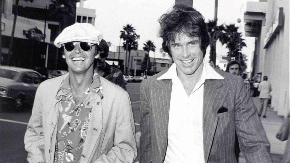 HOLLYWOOD - 1976:  Actors Jack Nicholson and Warren Beatty attend a fundraiser for Harry Reems' legal defense in a pornograph