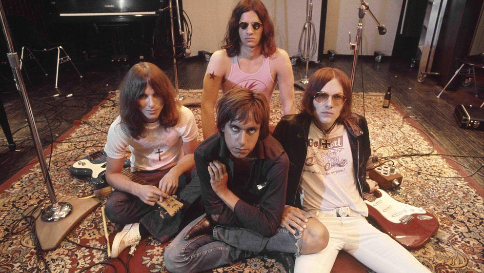 LOS ANGELES - MAY 23:  Iggy  the Stooges (L-R Dave Alexander, Iggy Pop in front, Scott Asheton in back and Ron Asheton) pose