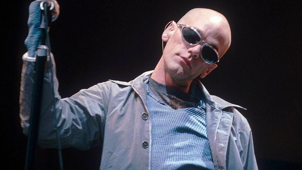 Ein junger Michael Stipe bei einem Konzert von R.E.M. im Jahr 1995