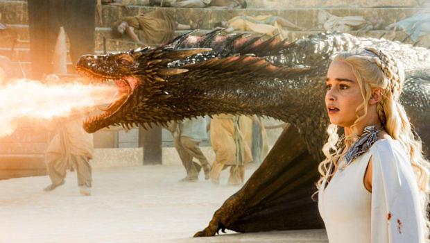 """In """"Game Of Thrones"""" gibt es viele Drachen (hier Drogon mit Daenerys Targaryen)"""