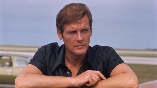 Roger Moore als James Bond