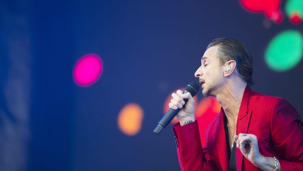 Sänger Dave Gahan von Depeche Mode live in Leipzig