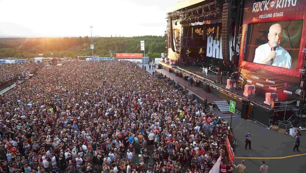Festivalveranstalter Marek Lieberberg fordert die Besucher von 'Rock am Ring' auf, das Gelände zu verlassen
