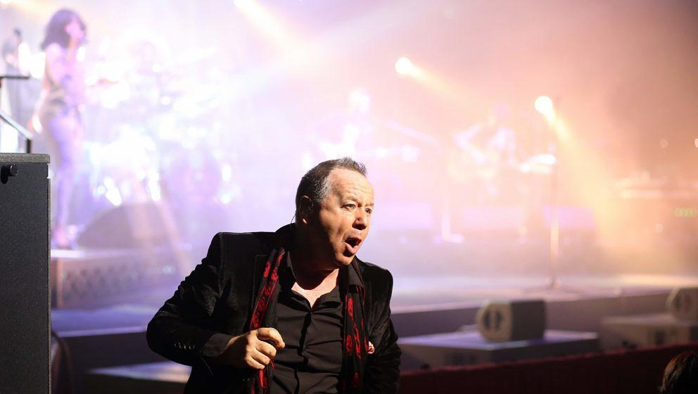 Simple Minds live