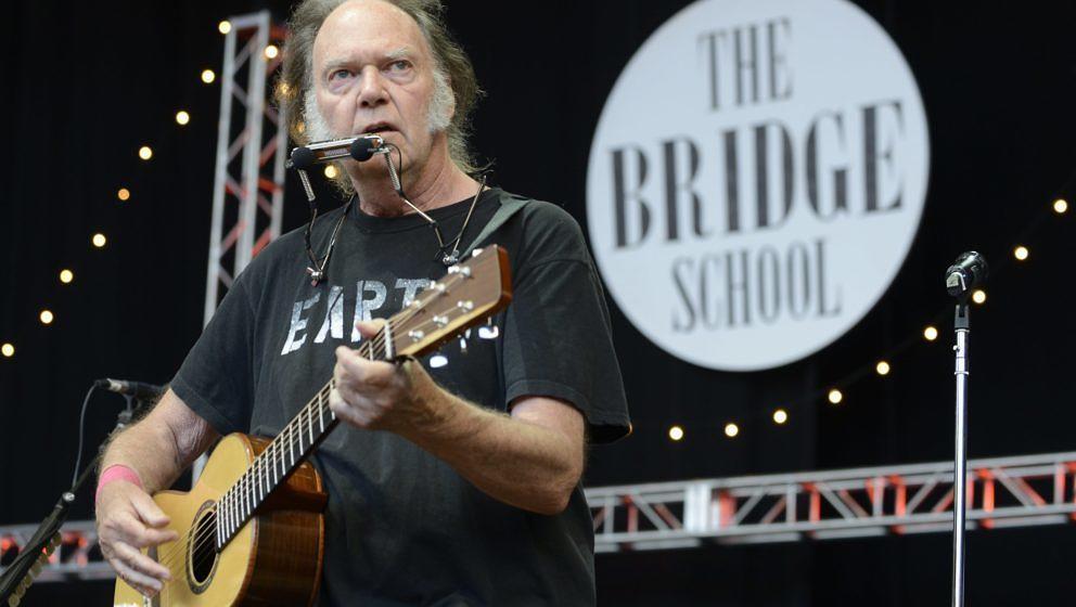 Neil Young spielt bei der 28. Ausgabe des Bridge School Benefit Concert