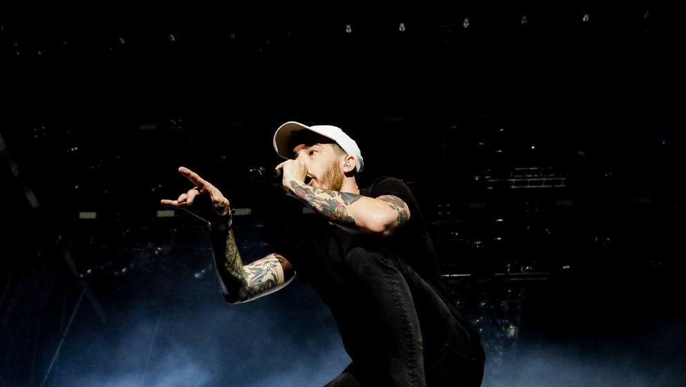 """Stiftet mit der neuen Single """"Keine Angst"""" feat. Drangsal Verwirrung bezüglich des musikalischen Konzepts von """"lang lebe der tod"""": Casper."""