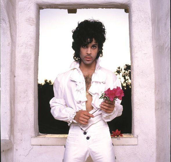 """100. 'Heaven' (unveröffentlicht, 1985)  Prince nahm das Stück nur zwei Tage nach der zynischen B-Seite """"Hello"""" auf, die"""
