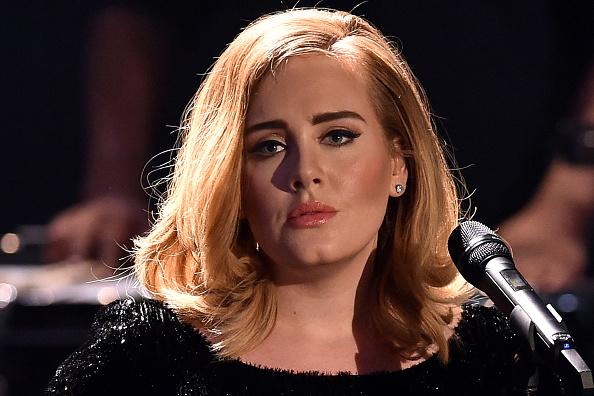 Adele musste ihre Welttournee abbrechen.