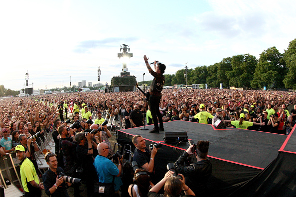 "Nach dem gigantischen Intro mit ""Bohemain Rapsody"": Billie Joe Armstrong von GreenDay im Hyde Park in London."