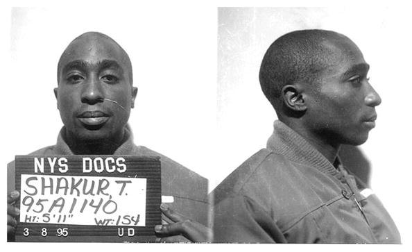 Verlies Madonna, weil sie weiß ist: Rapper Tupac. Hier auf seinem Polizeifoto aus dem Jahr 1995.