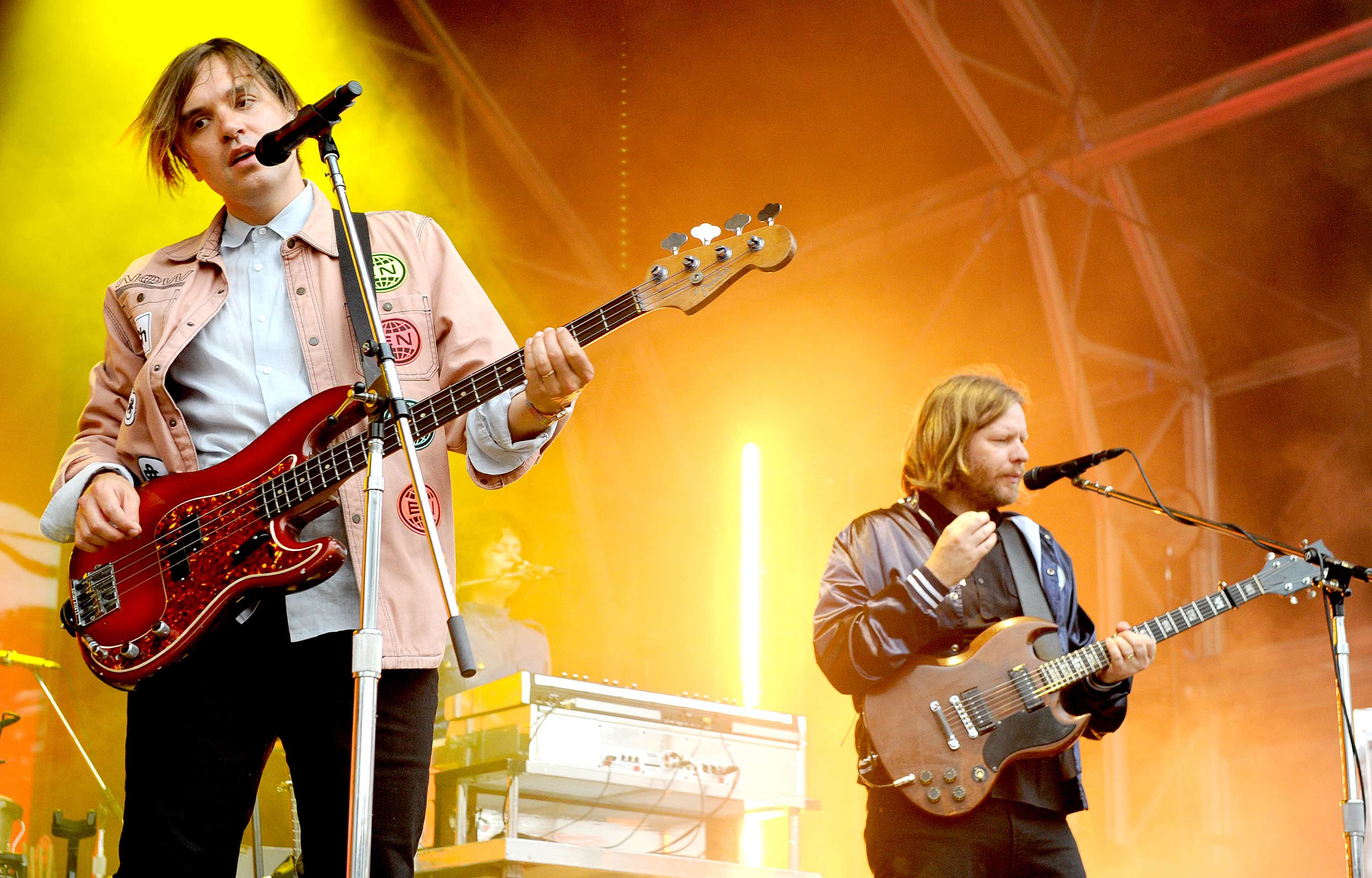 William Butler und Tim Kingsbury von Arcade Fire live in Manchester