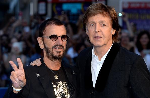 """Werden auf """"Give More Love"""" wieder zusammen zu hören sein: Ringo Starr (l.) und Paul McCartney"""
