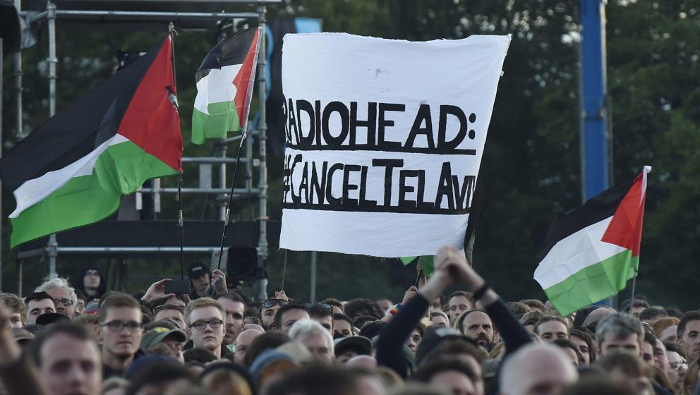 Pro-Palästina-Aktivisten beim Konzert von Radiohead in Glasgow