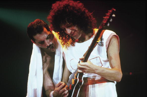 Freddie Mercury (l.) und Brian May (r.)