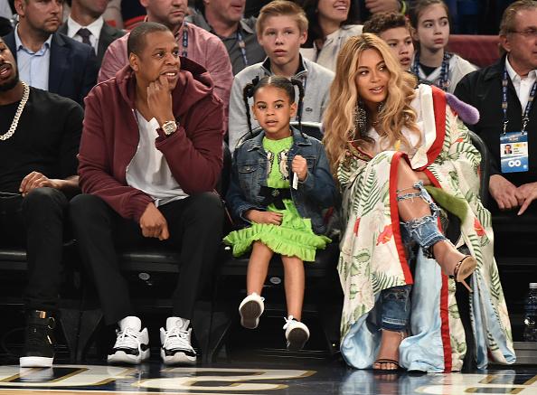 Auch beim NBA-All-Star-Game perfekt inszeniert: Jay-Z, Blue Ivy Carter und Beyoncé (v.l.n.r.).