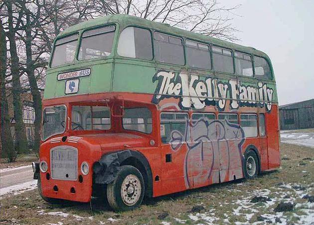 Der einstige Tourbus der Kelly Family steht zum Verkauf.