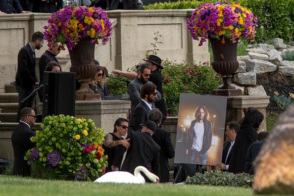 Chester Bennington bei der Beerdigung von Chris Cornell.