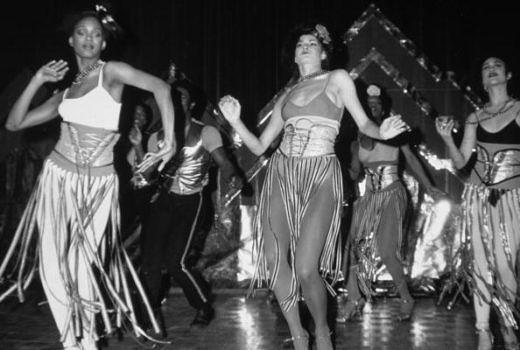 Tänzerinnen bei der Eröffnung des Studio 54 am 25. April 1977.
