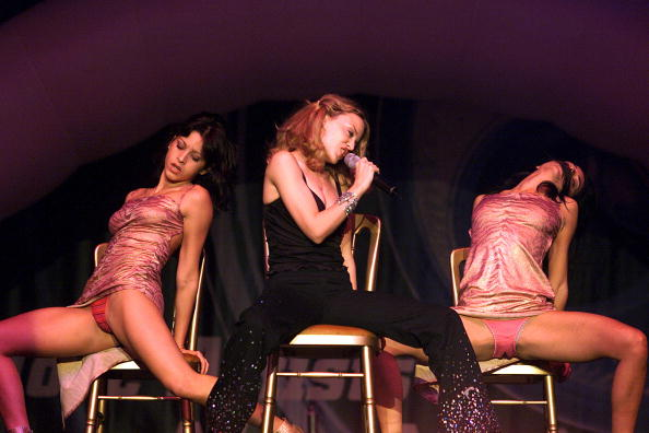 NETHERLANDS - OCTOBER 21:  PEPSI POP  Photo of Kylie MINOGUE  (Photo by Paul Bergen/Redferns)