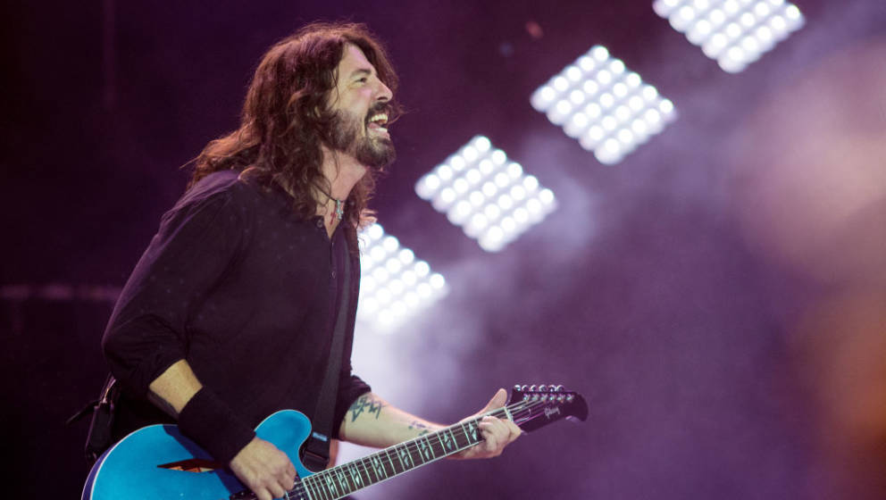 LISBON, PORTUGAL - JULY 07:  Dave Grohl of the Foo Fighters performs on the NOS stage at day 2 of NOS Alive festival on July
