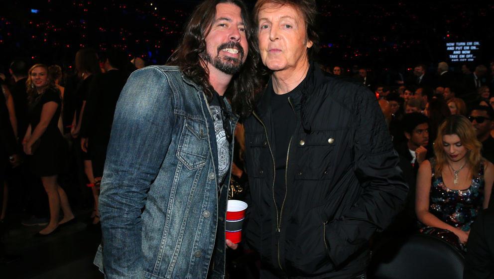 Dave Grohl und Paul McCartney bei den Grammys
