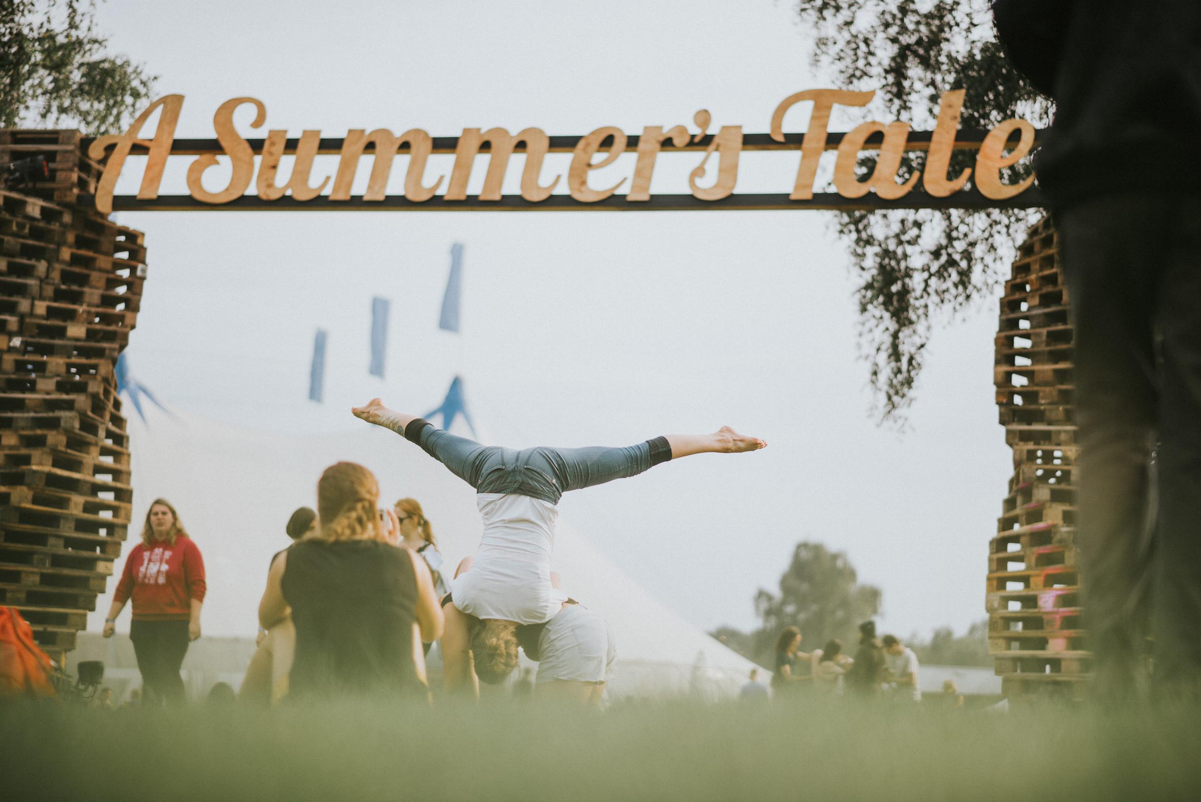 13 Beobachtungen, die A Summer's Tale zu einem wahren Märchen machen