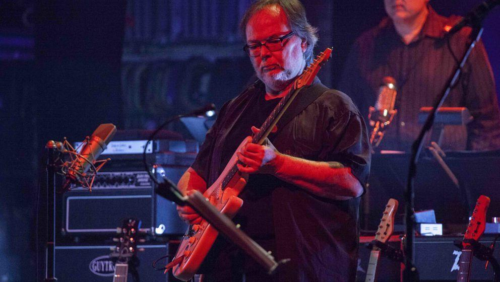 NEW YORK, NY - OCTOBER 10:  Walter Becker performs of Steely Dan onstage at Beacon Theatre on October 10, 2015 in New York Ci
