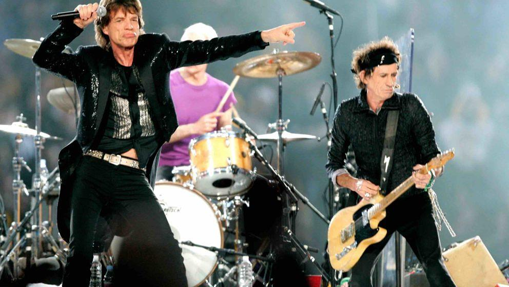DETROIT - FEBRUARY 5:  (L-R) Musicians Mick Jagger, Charlie Watts and Keith Richards of The Rolling Stones perform during the