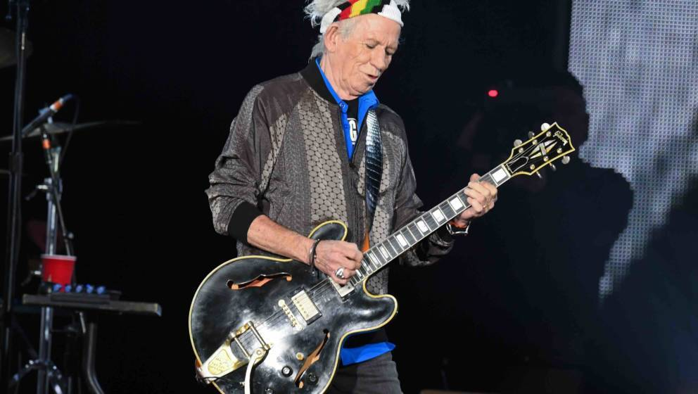 Keith Richards steht am 09.09.2017 im Stadtpark in Hamburg beim Start der Rolling Stones-Europatour «Stones - No Filter» au