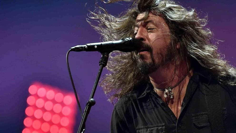 Der Sänger Dave Grohl der US-amerikanischen Band Foo Fighters steht am 10.09.2017 in Hoppegarten (Brandenburg) beim Lollapal