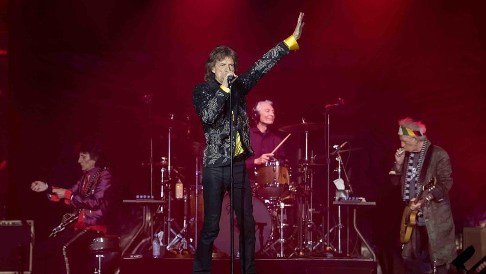 Gitarrist Ron Wood (l-r), Sänger Mick Jagger, Schlagzeuger Charlie Watts und Gitarrist Keith Richards von der britischen Ban