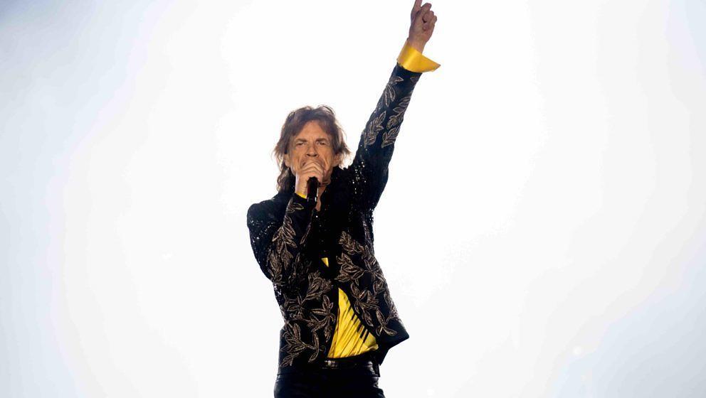 dpatopbilder - Sänger Mick Jagger von der britischen Band 'The Rolling Stones' steht am 12.09.2017 im Olympiastadion in Mün