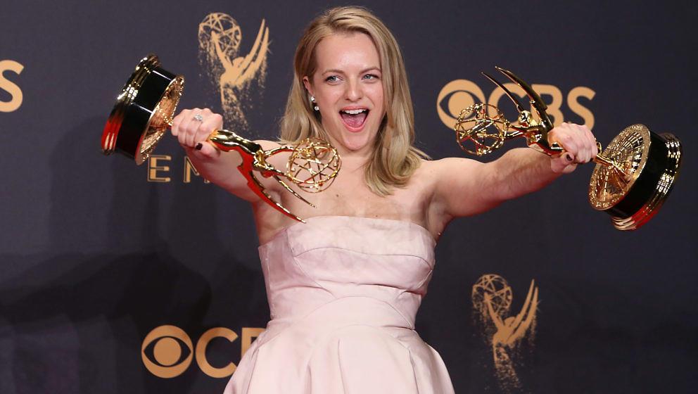 """Elisabeth Moss gewinnt als Schauspielerin und Produzentin einen Emmy für """"The Handmaid's Tale"""""""