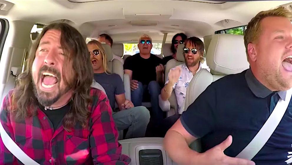 Die Foo Fighters singen, was das Zeug hällt