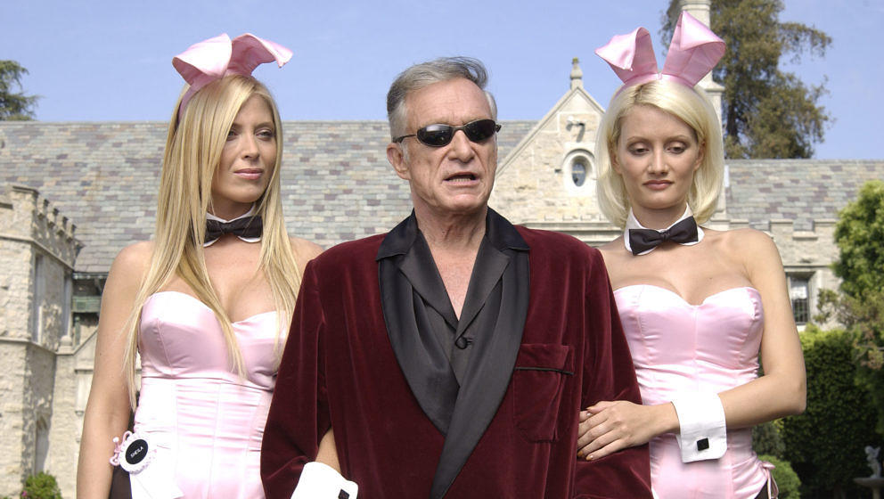 HOLMBY HILLS, CA - MAY 6:  (L to R) Playboy bunny Sheila Levell, Playboy founder Hugh Hefner and Playboy bunny Holly Madison