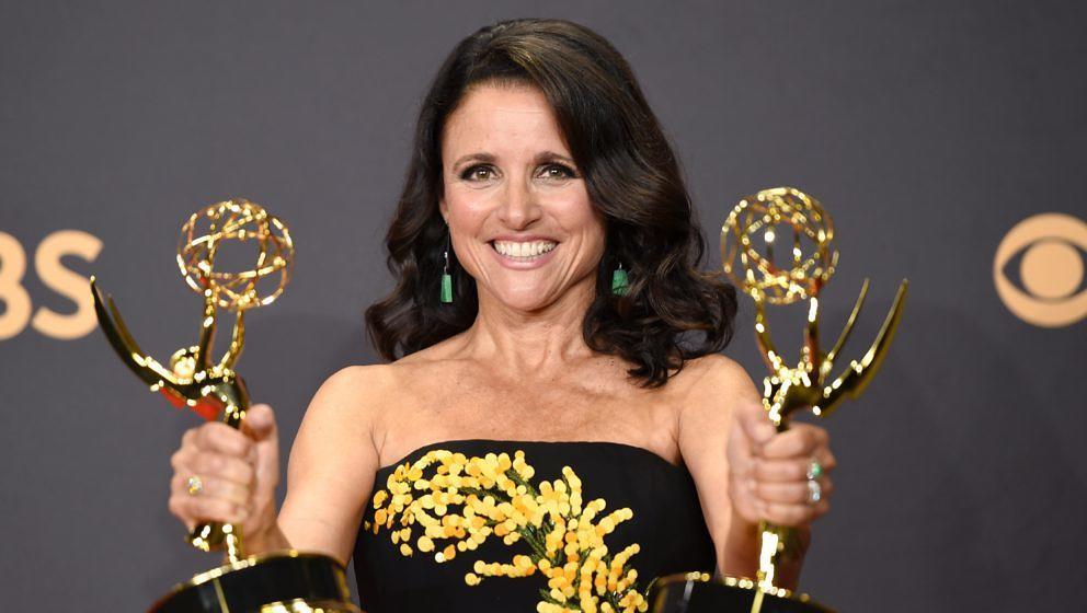 """Julia Louis-Dreyfus mit zwei Emmys für die Serie """"Veep"""""""