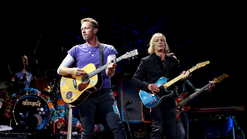 "Peter Buck spielt gemeinsam mit Coldplay ""Free Fallin'"" von Tom Petty & The Heartbreakers"