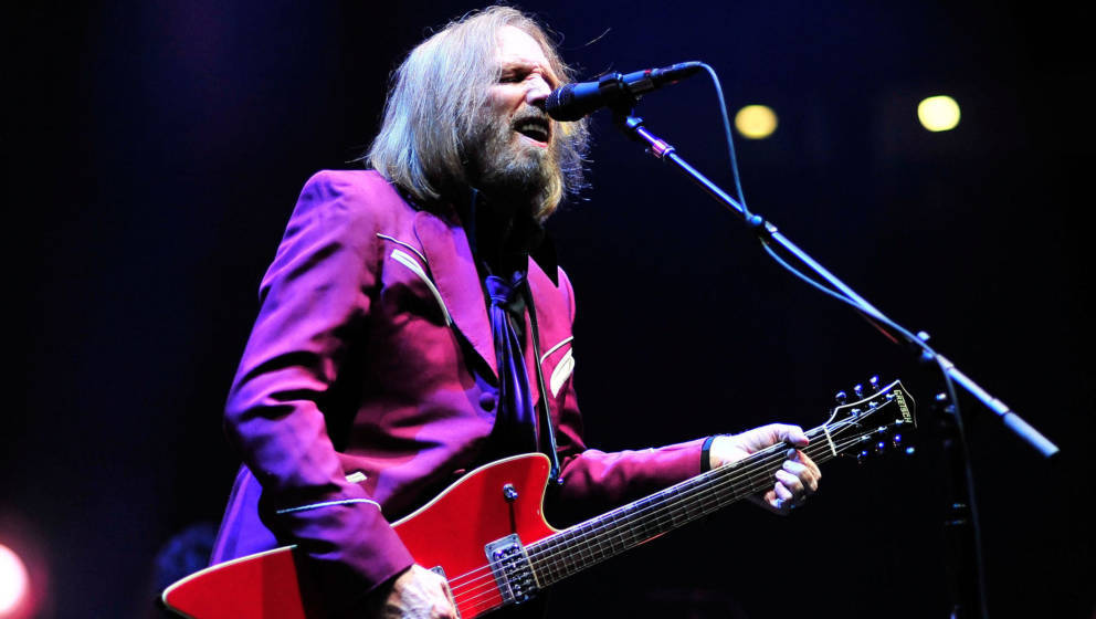 SAN DIEGO, CA - AUGUST 03:  Tom Petty and The Heartbreakers kick off their summer 2014 tour in support of  their latest album