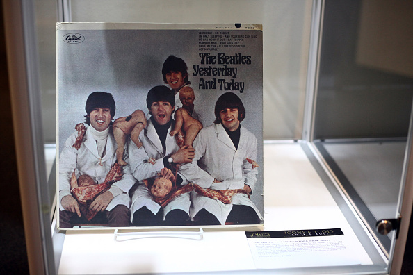 """Das rare """"Butcher-Cover"""" gehörte einst John Lennon, nun steht es zur Versteigerung."""