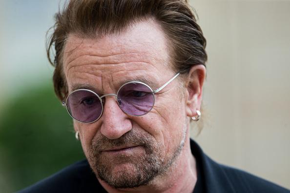 Bono zerknirscht